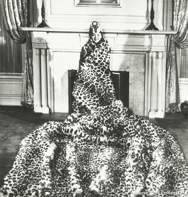 A Korean official on an outing. His chair is adorned with a leopard skin. Circa 1900s. Robert Neff Collection