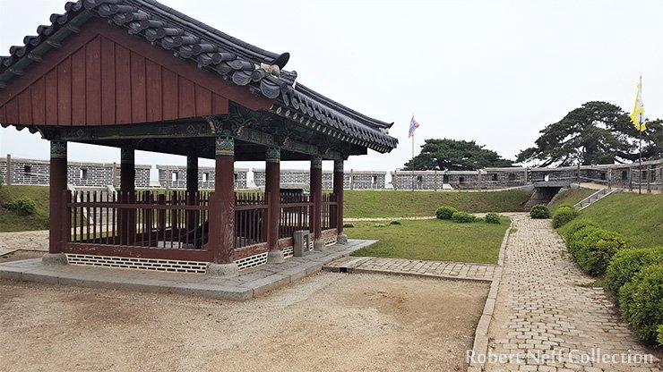 The interior of Chojijin on Ganghwa Island, May 2020. Robert Neff Collection