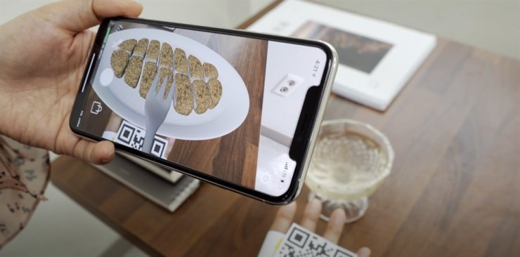 Corico experiments with augmented reality (AR) in enhancing food presentation virtually to help people eat diet food. / Courtesy of Corico