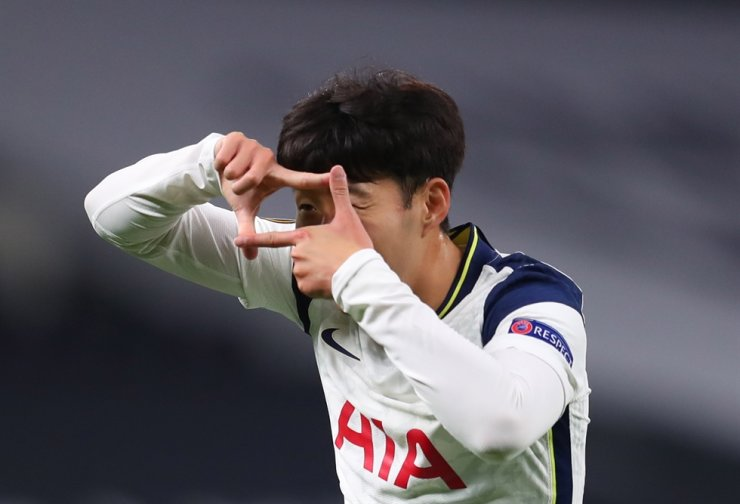 Son Heung-min of Tottenham celebrates after scoring the 3-0 lead during the UEFA Europa League group J soccer match between Tottenham Hotspur and LASK in London, Britain, 22 October 2020. EPA-Yonhap