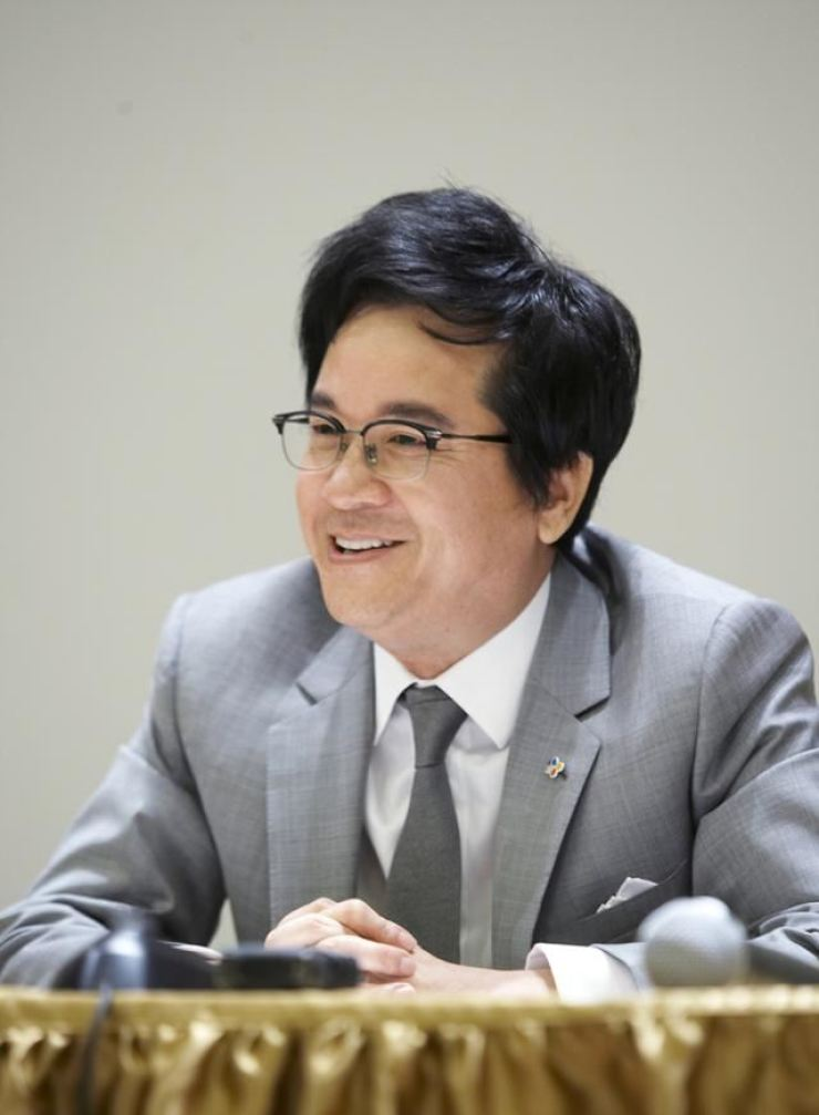 CJ Group Chairman Lee Jae-hyun speaks during a meeting at the company's headquarter in this 2017 file photo. / Courtesy of CJ Group