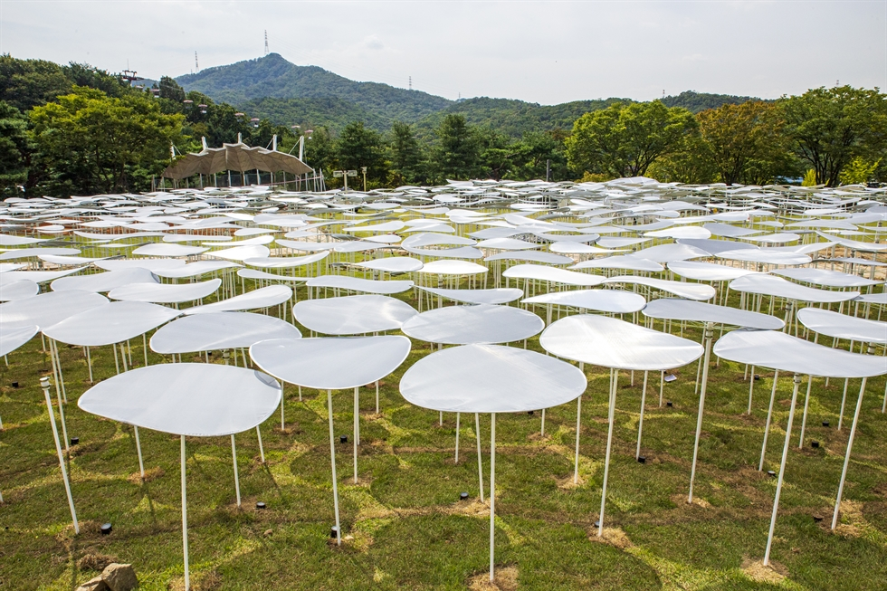 Architect duo stpmj's 'The Surface' is installed at the Sculpture Garden of the National Museum of Modern and Contemporary Art, Gwacheon. Courtesy of MMCA