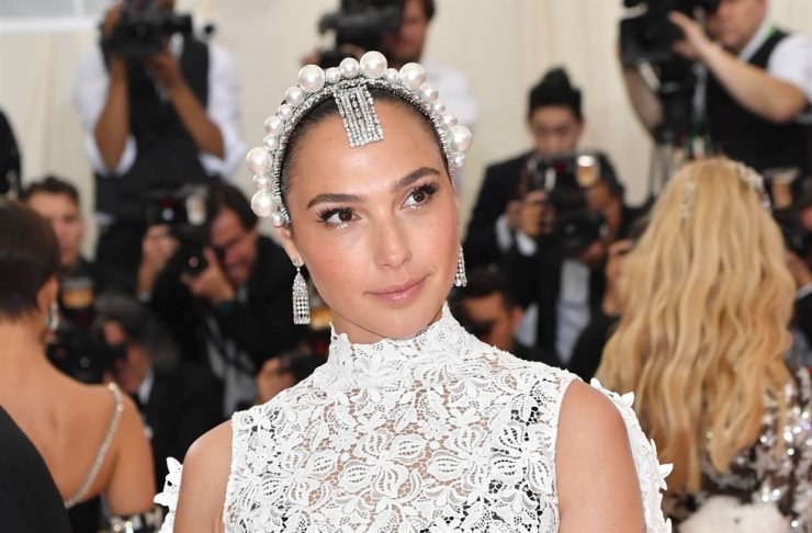 In this file photo taken on May 06, 2019, Israeli actress Gal Gadot arrives for the 2019 Met Gala at the Metropolitan Museum of Art in New York. AFP-Yonhap