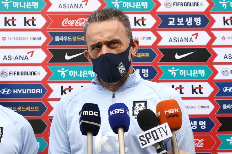 South Korea's national football team head coach Paulo Bento speaks during press conference at the Paju National Football Center in Gyeonggi Province, Sunday. / Yonhap