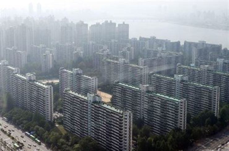 Apartment complexes in Seoul, Korea Times file