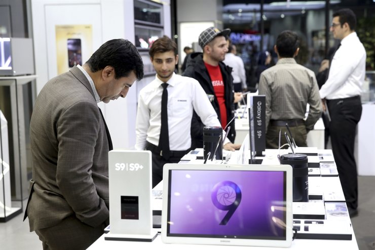 A customer looks at items at Samsung shop in an electronics shopping mall in downtown Tehran, Iran, Monday, Nov. 5, 2018. AP