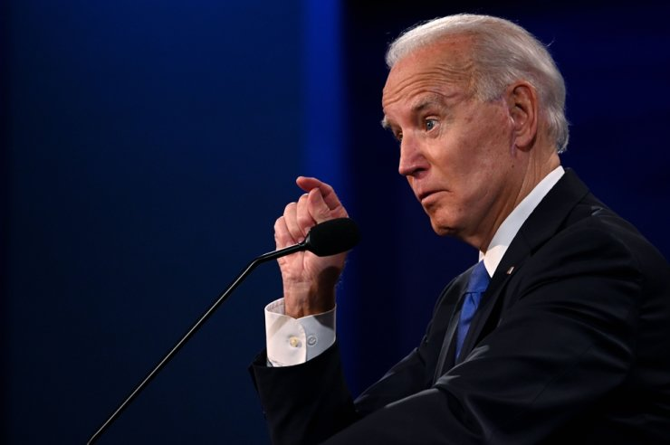 Democratic Presidential candidate and former US Vice President Joe Biden gestures as he speaks during the final presidential debate at Belmont University in Nashville, Tennessee, on October 22, 2020. AFP-Yonhap