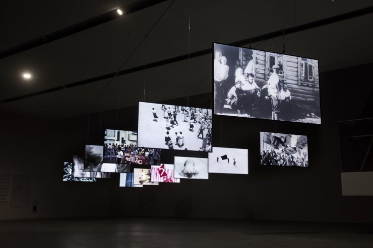 'The International of Memories' by Seo Dong-jin is on view at the '2020 Title Match Yang Ah Ham vs. Dongjin Seo ― To the Wavering,' held at the Buk-Seoul Museum of Art. / Courtesy of Seoul Museum of Art