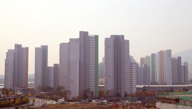 An apartment complex in Seoul. Korea Times file