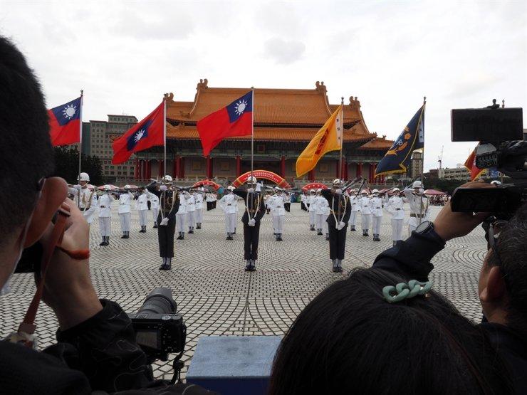 Taiwan Military Honour Guard performs during the 2020 Honour Guard Competition and Military Academies Recruiting Fair in Taipei, Taiwan, Nov. 7, 2020. EPA