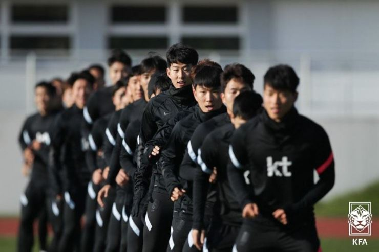 Four players and one staff member on the South Korean men's national football team have tested positive for COVID-19 while in Austria to play friendly matches. Courtesy of Korea Football Association, Yonhap