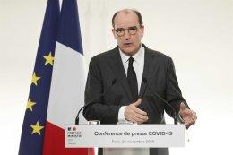New lockdowns crush French, German consumer confidence in November