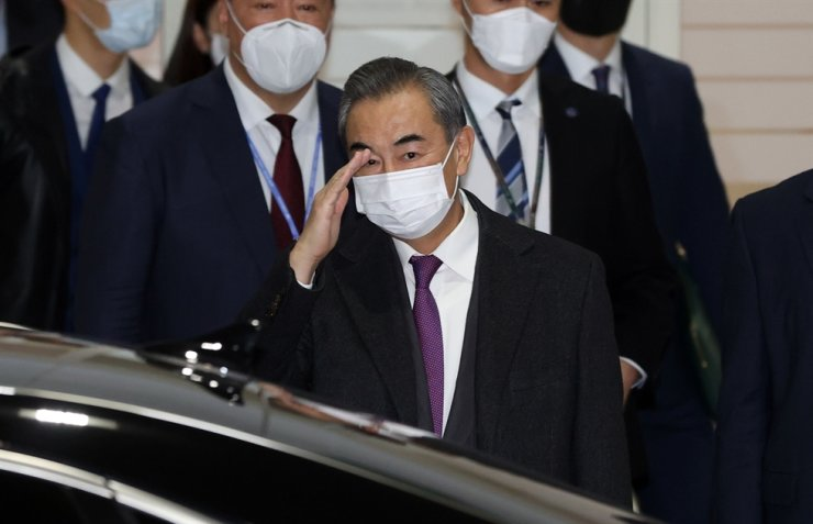 China's Foreign Minister Wang Yi arrives at Incheon International Airport, Wednesday. Yonhap