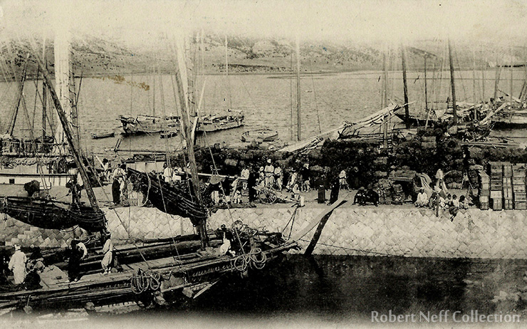 The Jinhae market, circa 1910-1930. Robert Neff Collection