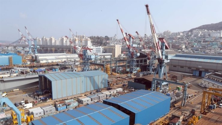 A Hanjin Heavy Industries shipyard in the southern port city of Busan / Yonhap