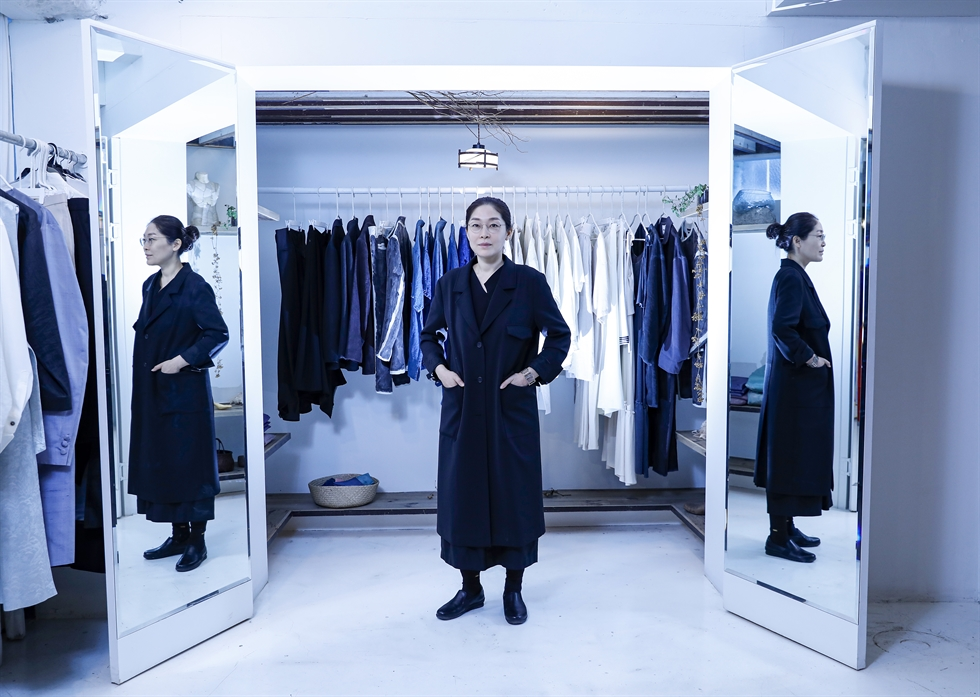 Lee Jin-hee, costume director and CEO of HAMU, poses during an interview with The Korea Times at her office and store in Jongno-gu, Seoul, Dec. 3. She's worked on multiple dramas, films and plays such as TV drama 'Love in the Moonlight,' and film 'The Great Battle' (2018). Korea Times photo by Shim Hyun-chul