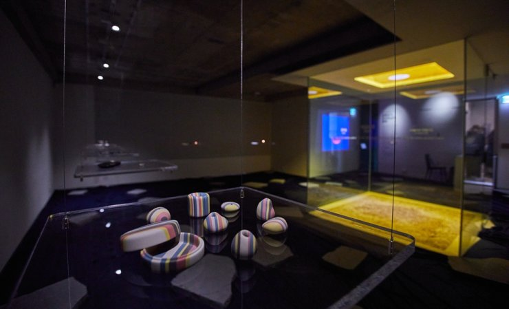 Installation view of 'Sense of Balance: The Culture of Joseon Royal Court,' hosted by the Design Institute of Cultural Commodities at Korea National University of Cultural Heritage / Courtesy of KNUCH