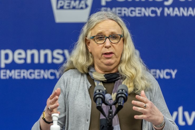 Pennsylvania Secretary of Health Dr. Rachel Levine meets with the media at the Pennsylvania Emergency Management Agency (PEMA) headquarters in Harrisburg, Pa., March 29, 2020. President-elect Joe Biden has tapped Levine to be his assistant secretary of health, leaving her poised to become the first openly transgender federal official to be confirmed by the U.S. Senate. / AP-Yonhap