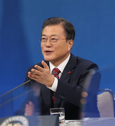 President Moon Jae-in's congratulatory message to U.S. President Joe Biden on his inauguration, posted on Twitter, Thursday. Yonhap