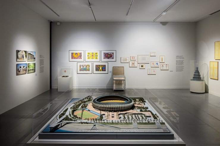 Installation view of 'Olympic Effect: Korean Architecture and Design from 1980s to 1990s' at the MMCA Gwacheon / Courtesy of MMCA