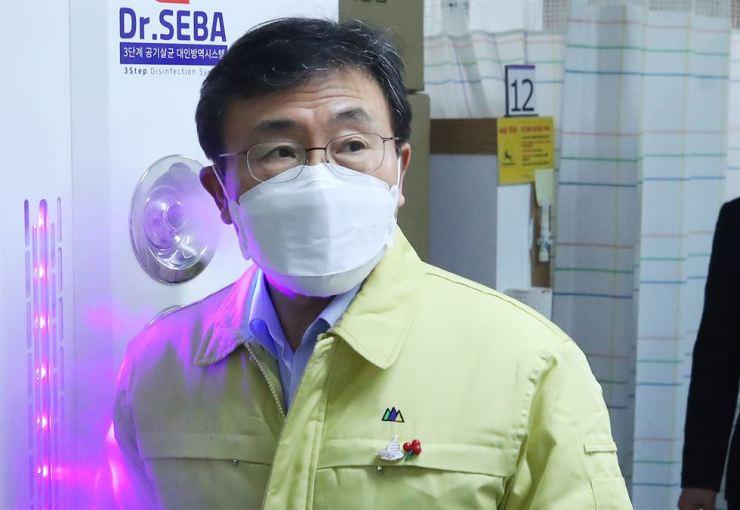 Health Minister Kwon Deok-cheol /Yonhap