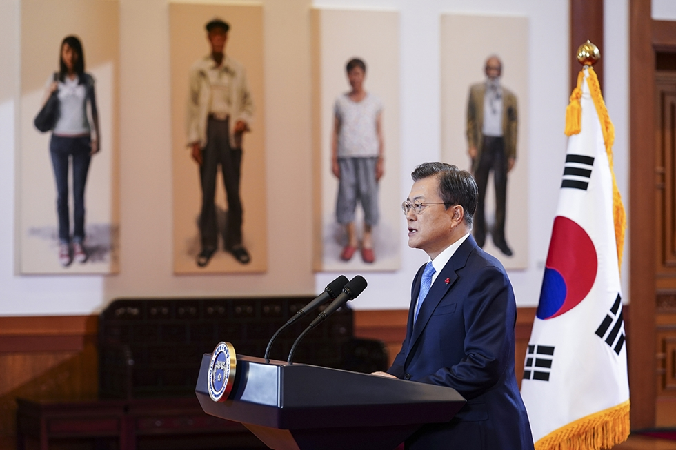 President Moon Jae-in delivers a New Year address to the nation at Cheong Wa Dae, Monday. Korea Times photo by Wang Tae-seok
