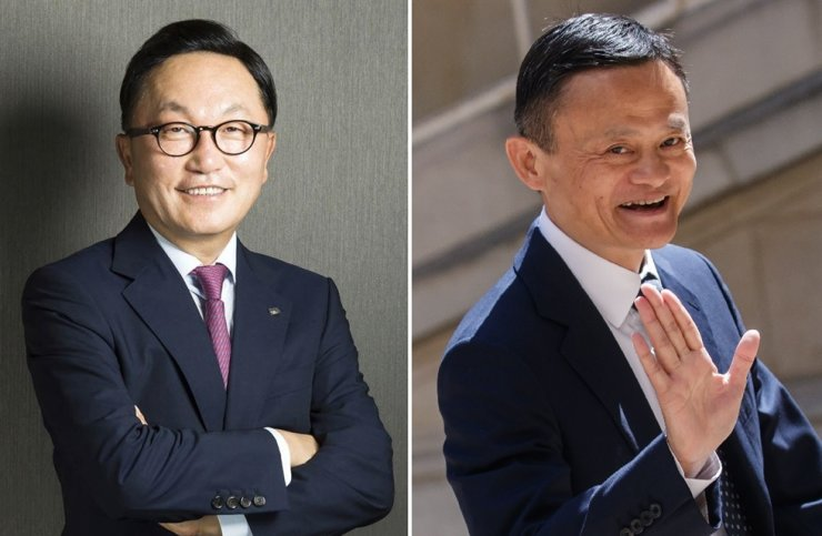 Mirae Asset Financial Group founder Park Hyeon-joo, left, and Alibaba Group founder Jack Ma / Korea Times file