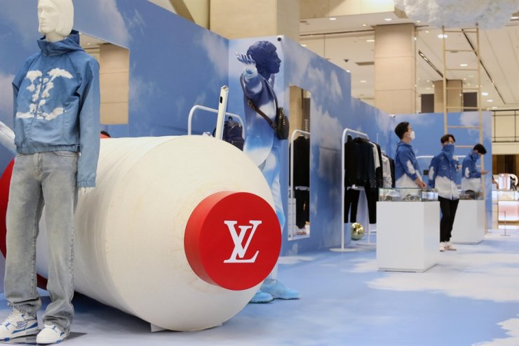 A Louis Vuitton pop-up store for menswear at Shinsegae Department Store in Seoul, August 2020 / Courtesy of Shinsegae Department Store