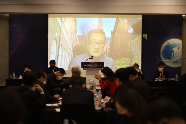 Victor Cha, a senior adviser and the inaugural holder of the Korea chair at the Center for Strategic and International Studies (CSIS), speaks remotely, Thursday, during an online forum, titled 'Free and Unified Korea: Options for the New U.S. Administration,' hosted by the Global Peace Foundation at the Fairmont Ambassador Seoul hotel. Courtesy of Global Peace Foundation