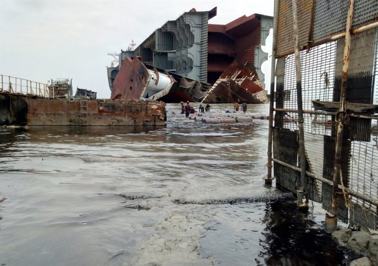 Shipbreaking Platform revealed June 22, 2020, that, during an illegal night shift at Jumuna Ship Breakers yard in Bangladesh, Abdul Halim, 24, was hit by an iron bar in the stomach and seriously injured aboard the Stellar Knight owned by Polaris Shipping. Courtesy of Shipbreaking Platform's Twitter