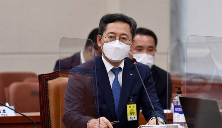Hana Bank Vice President Park Sung-ho speaks during the National Assembly's annual audit in Seoul, Oct. 13. Yonhap