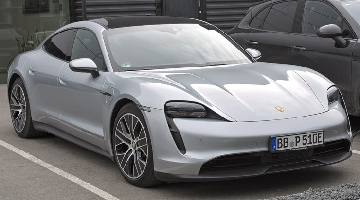 Porsche Taycan. Wikipedia