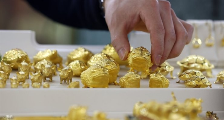 Animal-shaped gold is displayed at the Korea Gold Exchange in Seoul in this file photo taken on Mar. 3. Yonhap