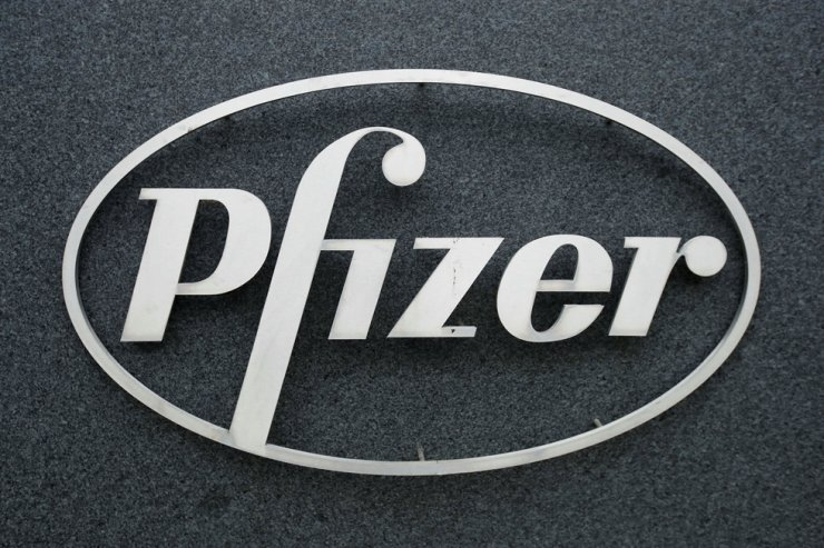 The Pfizer logo is seen at the company's U.K. commercial headquarters in Walton Oaks, Britain, Feb. 1. Reuters-Yonhap