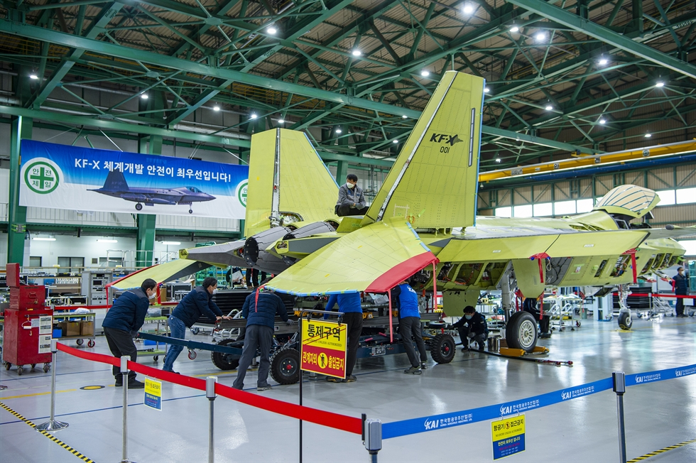 The first prototype of South Korea's indigenously developed next generation fighter jet KF-X is being assembled at the Korea Aerospace Industries (KAI) headquarters in Sacheon, South Gyeongsang Province, Feb. 24. Courtesy of Defense Acquisition Program Administration