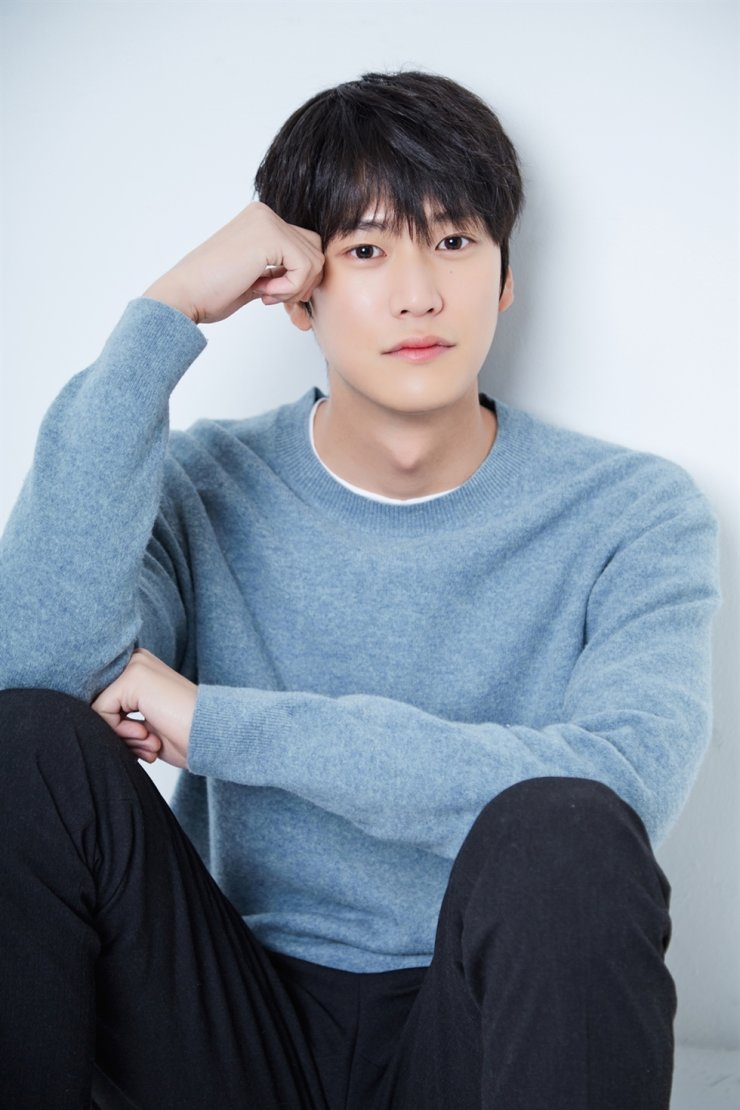 Actor Na In-woo became the new lead in the KBS's historical series 'River Where the Moon Rises.' Courtesy of Cube Entertainment