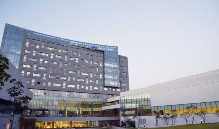 Seen above is headquarters of National Pension Service in Jeonju, North Jeolla Province. Yonhap