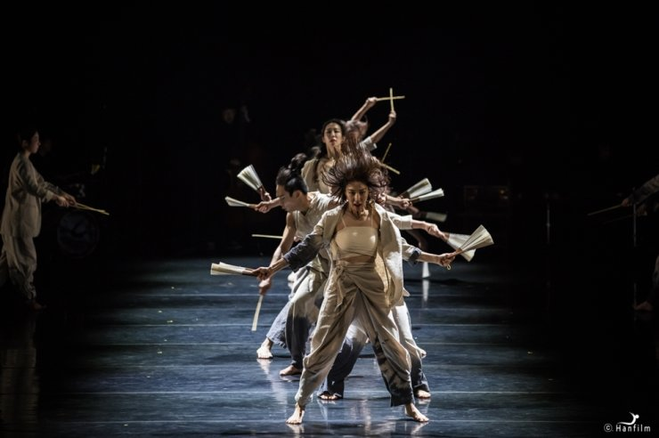 The dance 'One' by choreographer Jung Bo-kyung of Lim Hak Sun Dance We / Courtesy of Hanfilm