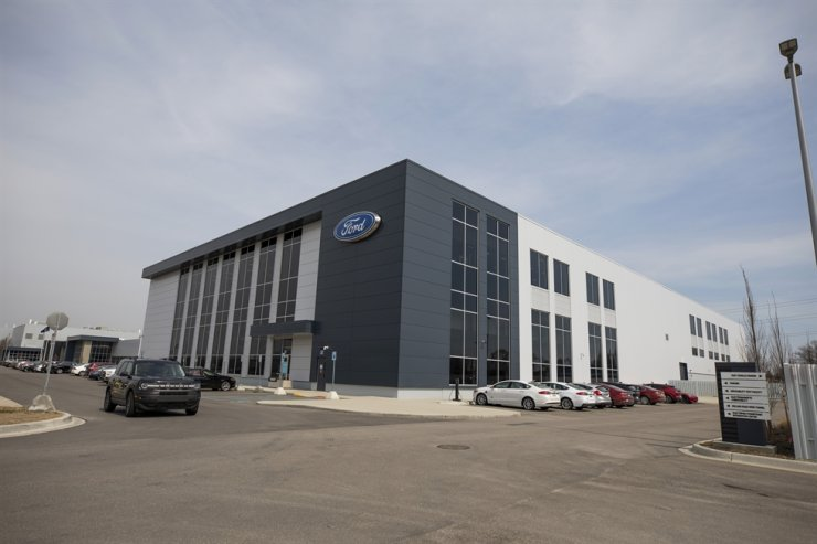 This photo provided by Ford shows Ford Motor's Battery Benchmarking and Test Laboratory in Allen Park, Mich., on April 6, 2021. Ford via AP-Yonhap