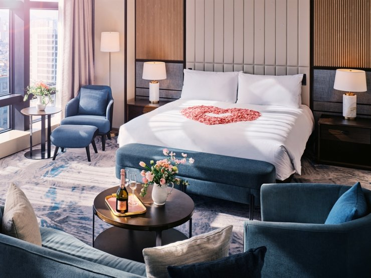 Grand InterContinental Seoul Parnas offers the 'Cupid Moments Package' featuring gifts for couples in the spring wedding season. Courtesy of Grand InterContinental Seoul Parnas
