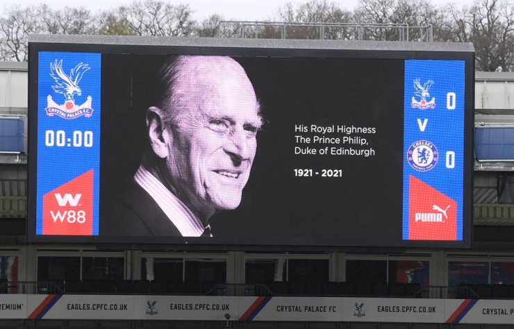 General view of the big screen at Selhurst Park where Premier League soccer match between Crystal Palace and Chelsea was held in London, Britain, April 10, 2021, displaying an image of Britain's Prince Philip, husband of Queen Elizabeth, died at the age of 99. REUTERS-Yonhap