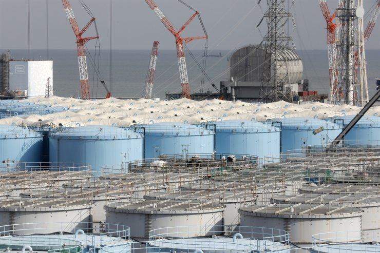 Tanks contain contaminated water from the destroyed Fukushima Daiichi Nuclear Power Plant in Okuma, Fukushima Prefecture, in this Jan. 22, 2020 photo. EPA-Yonhap