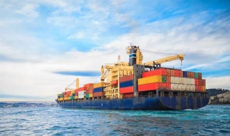 South Korea's exports jumped 41.1 percent in April from a year earlier, the highest growth in around 10 years, as demand for semiconductors and automobiles stayed strong amid the improving global economy, data showed Saturday. gettyimagesbank