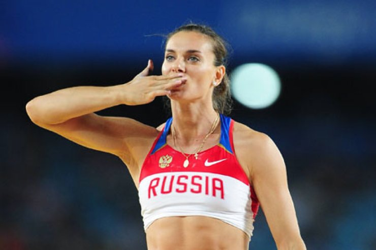 Olympic pole-vault champion Yelena Isinbayeva will hold a press conference in Rio to announce her retirement. / Korea Times file