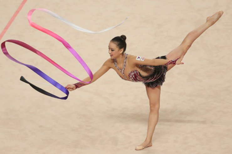 The Rio de Janeiro Olympics' rhythmic gymnastics event, where South Korea's hopeful Son Yeon-jae will compete, starts on Aug 19./ Korea Times file