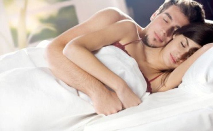 A research team on 'copulatory vocalizaion' asked 71 sexually active heterosexual women aged 18 to 48 about their vocalizaion during sex, and 66 percent of them answered that they moaned to 'speed up their partner's climax,' while 87 percent said they did it to 'boost the partner's self-esteem.' / Captured from social media