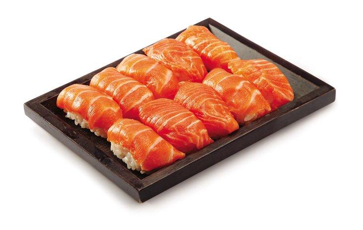 Emart's 'premium salmon sushi pack' / Courtesy of Emart