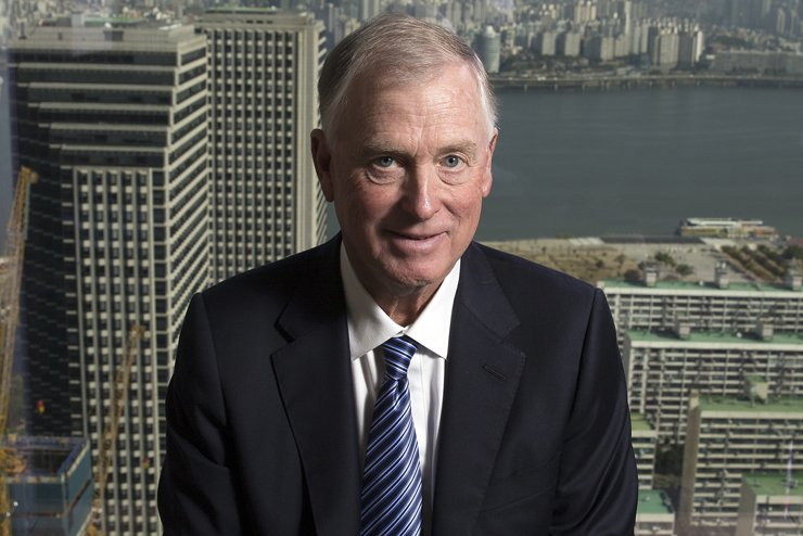 Former U.S. Vice President and Cerberus Global Investments Chairman Dan Quayle poses during an interview with The Korea Times at the Conrad Hotel in Yeouido, Seoul, Oct. 25. / Korea Times photo by Choi Won-suk