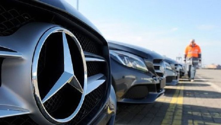 The three best-selling models were the Mercedes-Benz E 300 and E 300 4MATIC and the Lexus ES300h. Yonhap
