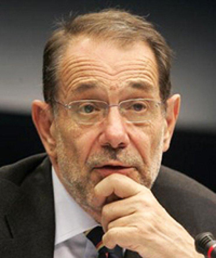 Javier SolanaOscar Fernandez